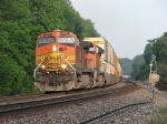 BNSF 4881 & 7643 roll east under the morning light