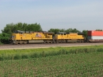 UP 7667 & 4706