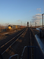 Q433 pulls over Upper Bay and into the east end of Oak Island yard as i sit on my Q434 with 7489 still in Conrail blue