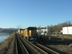 southbound in the newburgh siding about to pass Q157 led by UP C40-8's