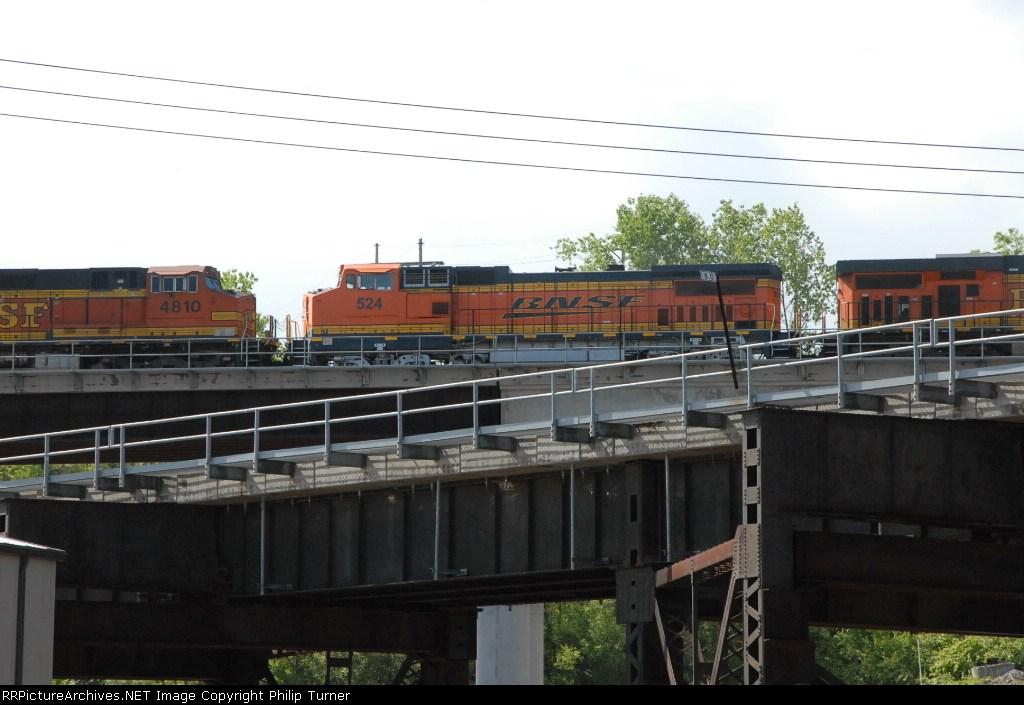 """BNSF 524 """"Swooch"""""""