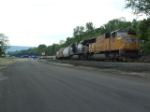 UP 4084 and NS 9448