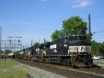 NS 9044 On NS 175 Eastbound