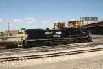 NS 9958 Pulls a Baretable Train Toward Downtown