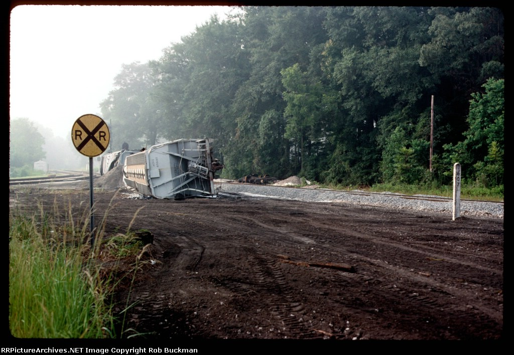 Oops.  Derailment on the south leg of the wye