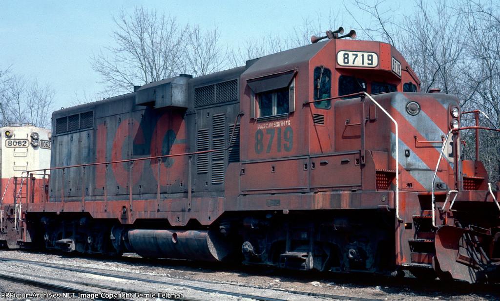Illinois Central Gulf GP11 #8719