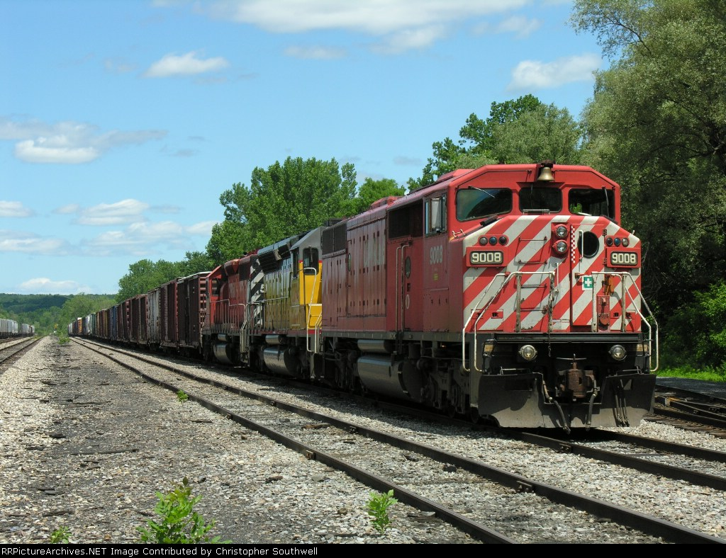 This came is as GRS EDMO and is now waiting for CP 412 to pick it up in Mohawk yard