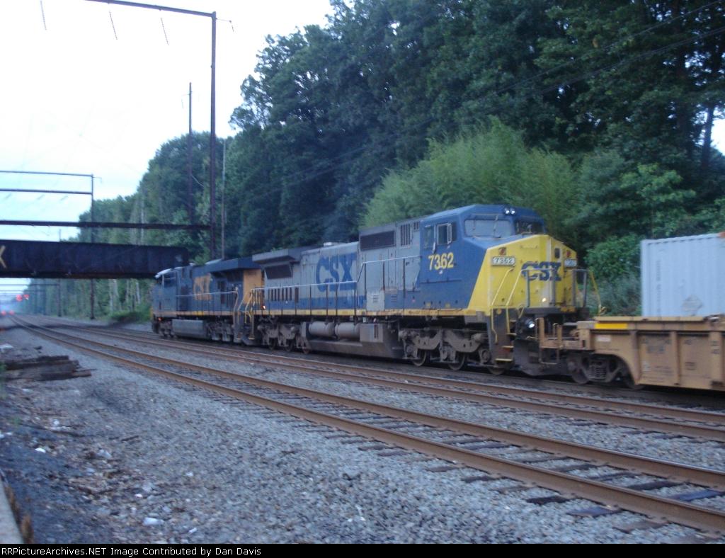CSX 7362 on Q174-29
