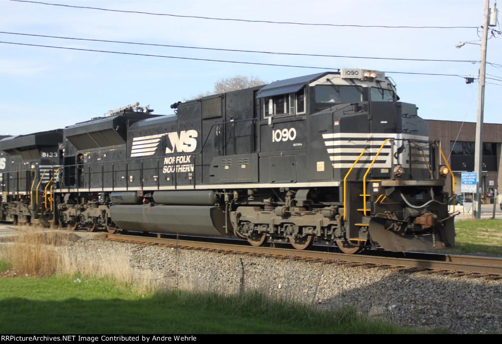 NS 1090 on a southbound CN manifest