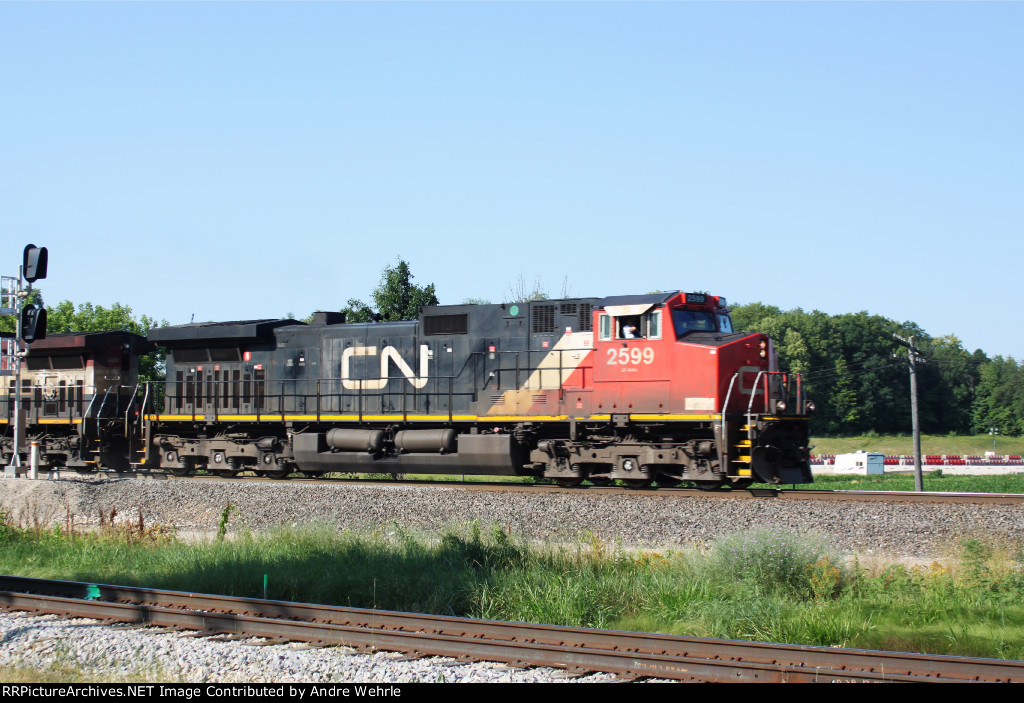 CN 2599 leads a BC Rail unit on a northbound