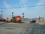 CN 2341 leads another southbound intermodal past the WSOR junction