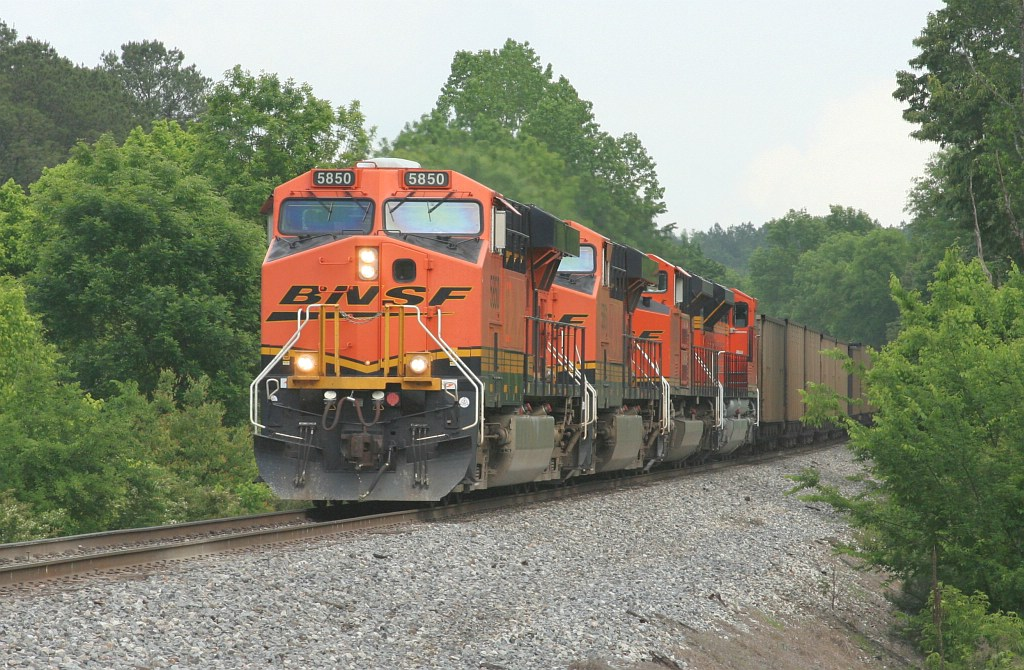 BNSF NB empty coal