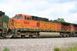 BNSF 5842 on SB intermodal