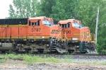 BNSF 4600 leading a SB grain train