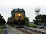 CSX 2639 sits with Y106