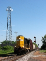 GDLK 501 rolls south over the CN diamonds