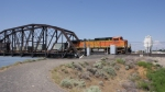 BNSF 4509 popping out of the bridge.