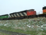 CN 5421 SD50F making a stop