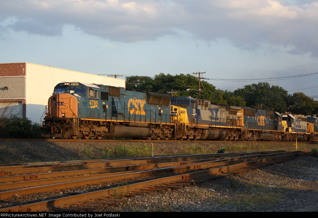 CSX 4795 is on Q438
