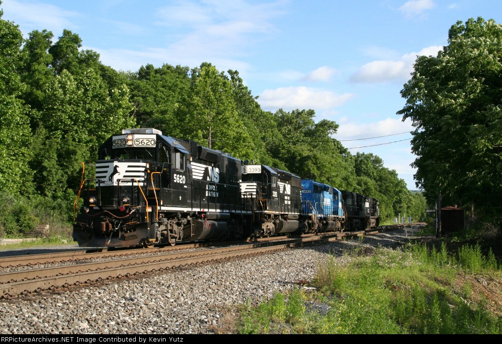 NS 5620, 3393 and 3412 lead 2 D9's into Allentown yard as 35A
