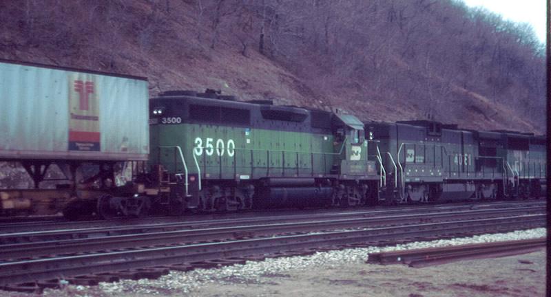 BN Intermodal train