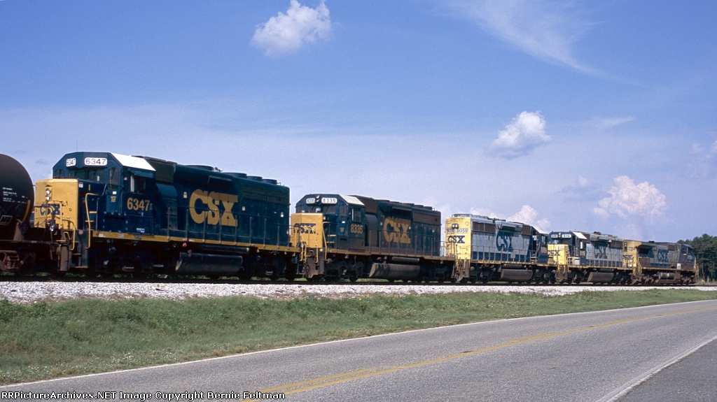 CSX Q681-25 with  C40-8W CSX 7754, SD40-2's CSX 8115, CSX 8059, CSX 8335 and GP40-2 CSX 6347, all on-line and being used for power,