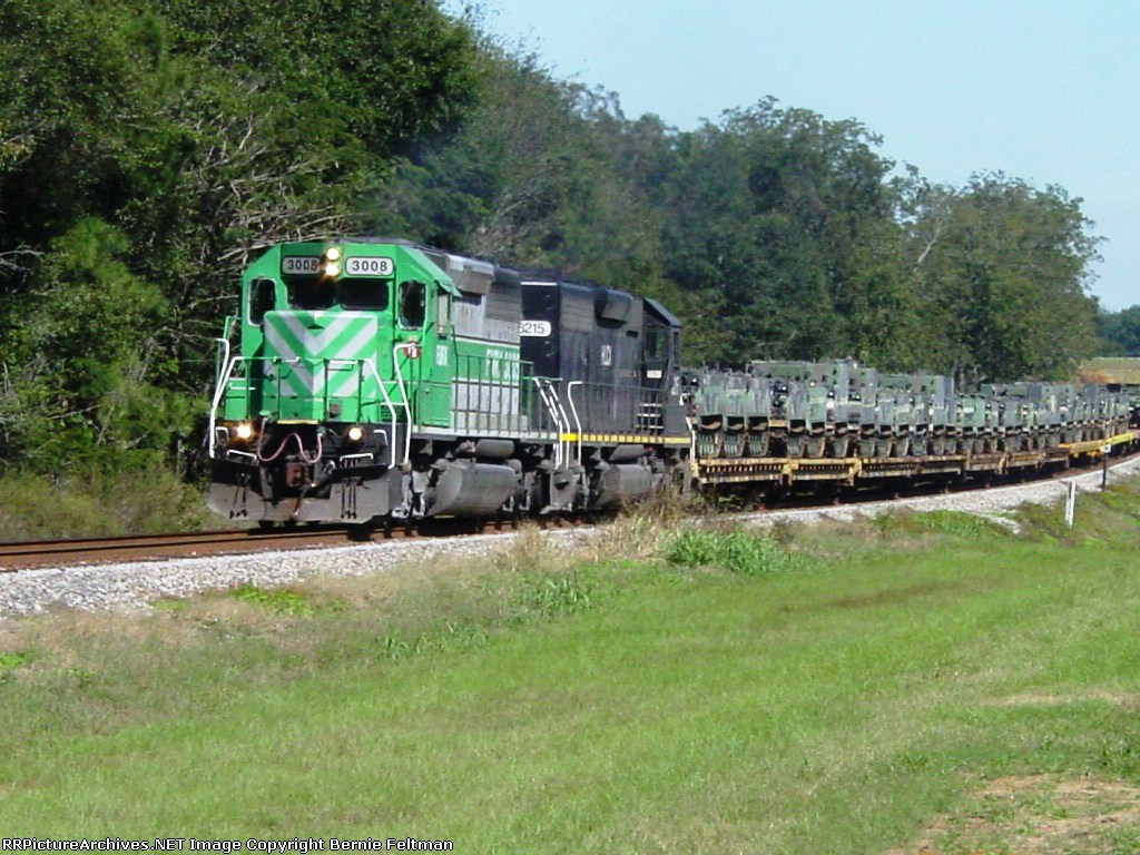 FURX (First Union Rail) SD40-2 #3008 and HLCX (Helm Financial Corporation) SD40-2 #6215 lead northbound military move W879-15