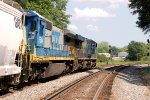 CSX C40-8 #7544 and ES44AC #890 lead Atlanta bound train Q678