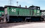Burlington Northern SW1500 #40 idles in East Thomas Yard