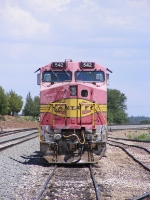 BNSF 542 Head on
