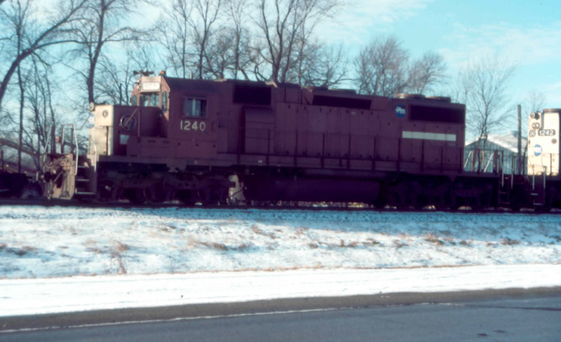GATX 1240 leads this train in the snow