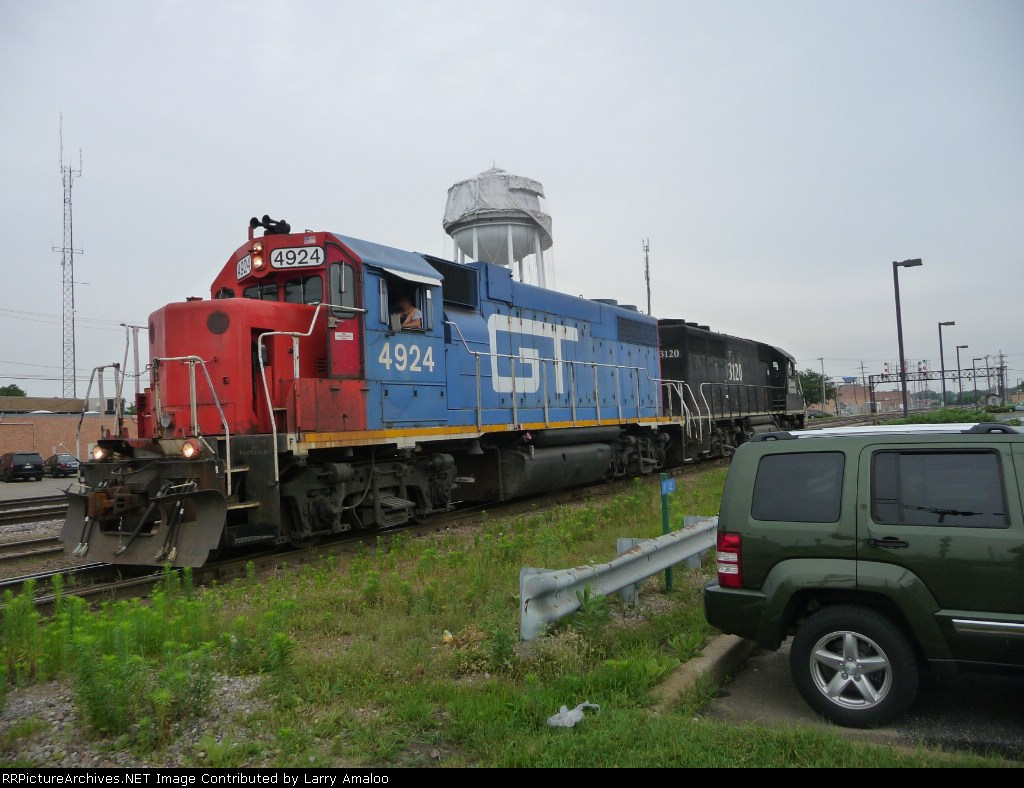 GTW 4924 and IC 3120