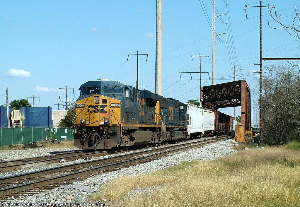 CSX 5352 Q405