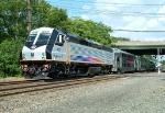 NJT 4022 S/B RVL Train
