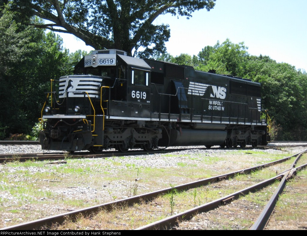 NS 6619 sits at the trailer turned new Carrollton agency waiting to be called out on the Carrollton Switcher.