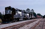 Norfolk Southern GP38-2 #5208, GP30 #2642 and Southern Railway GP30 #2537 lead train #93