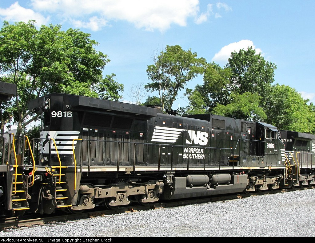 NS 9816 on the V92 grain train