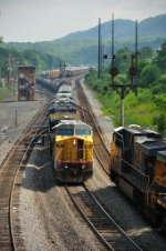 UP 9421 backs into Cumberland Yard