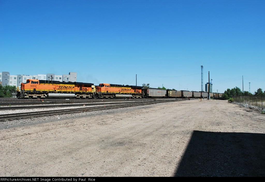 BNSF 6004 & BNSF 5861 Moving Coal South