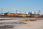 BNSF 9224, BNSF 8870 & BNSF 5360 Moving Into Denver Yard