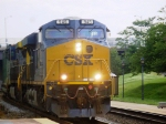 CSX 945, one of the newest GEVOs, rolls north with Q702