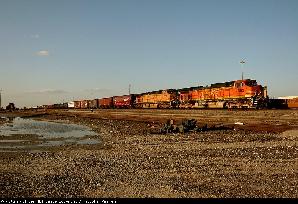BNSF 4392