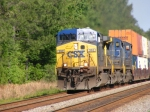CSXT 392 leads a Southbound Intermodal