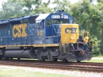A Nice wave from the Engineer on CSXT 8122