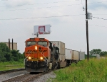 NS 280 slowing to a stop at Spring with a BNSF leader