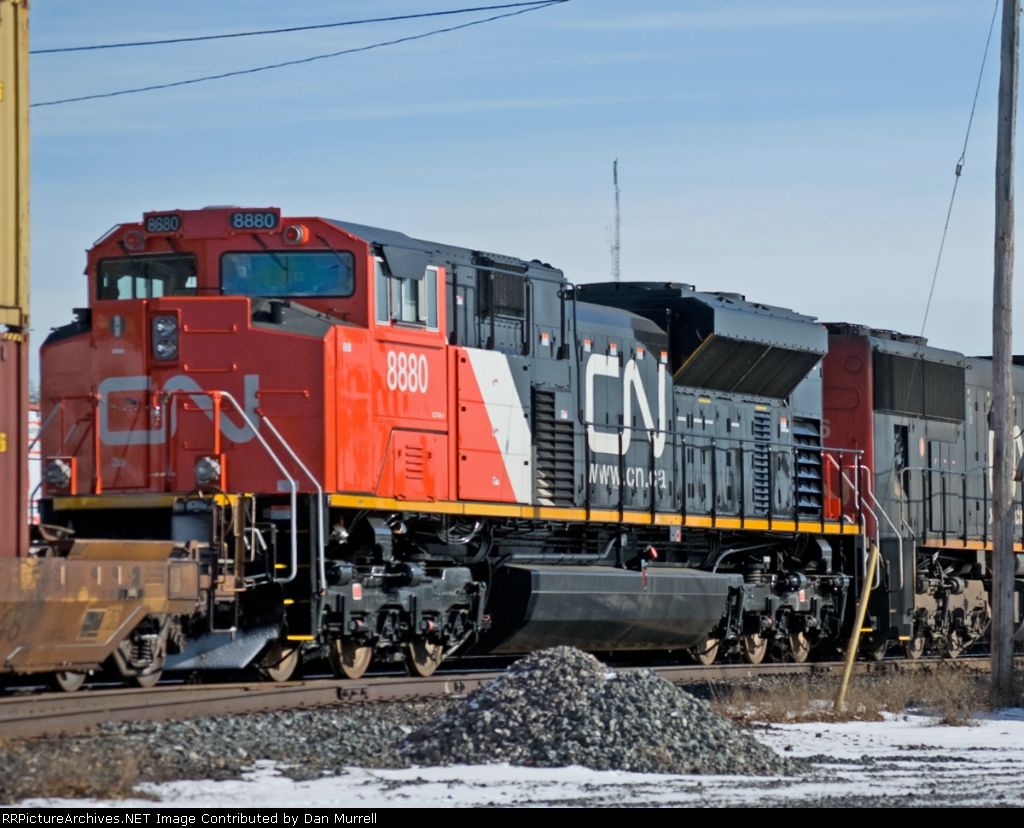 CN 8880