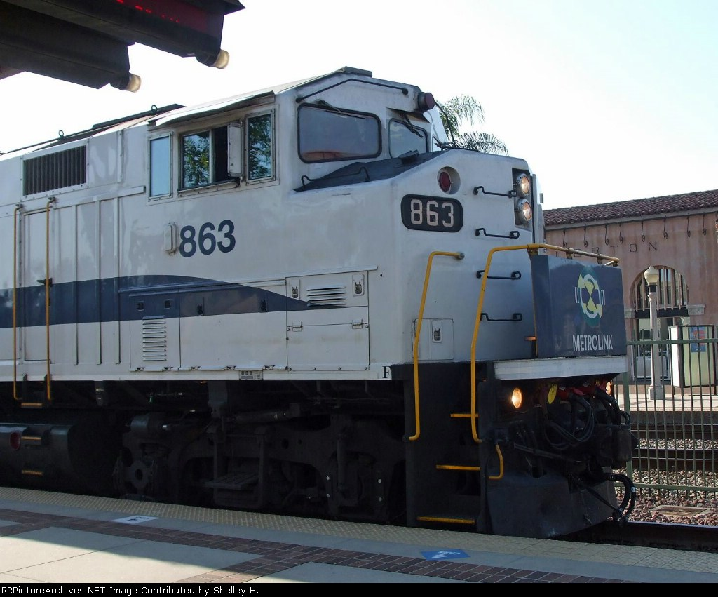 863 pulling a friday evening train