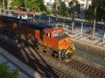 BNSF 7219 leading a BNSF train through fullerton
