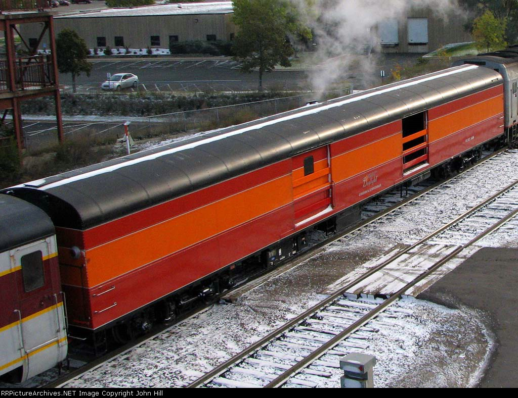 091010015a DLMX 5659 Gordon N. Zimmerman eastbound on SP 4449 Fall Colors steam train on BNSF Midway Sub.