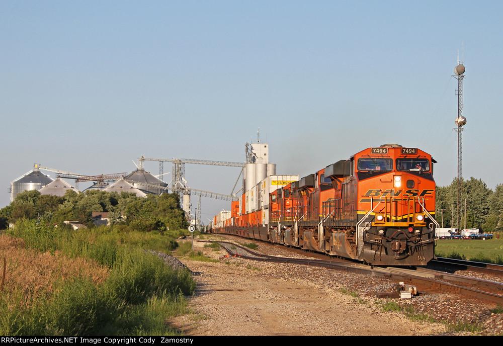 BNSF 7494 West